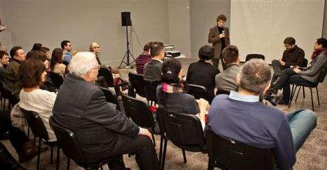 """Dyskusja panelowa wokół filmu """"Wybrany"""" (dr Eryk Krasucki, Weronika Fibich, Mikołaj Rozen, dr Piotr Krupiński [prowadzenie])"""