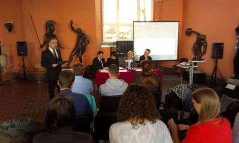 """Konferencja prasowa przed Adlojadą """"Ekonomia i kultura"""", 2014"""