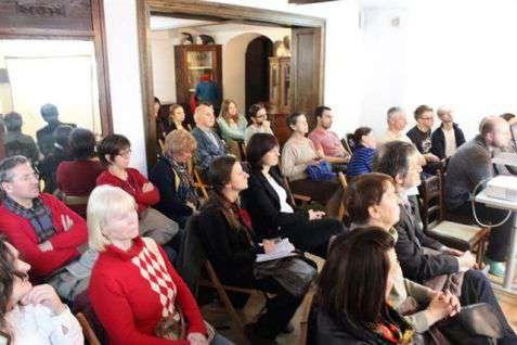 Goście Adlojady podczas rozmowy Urszuli Orlińskiej-Frymus z Ori Grotas (mieszkanką kibucu Allonim i studentką PUM-u)