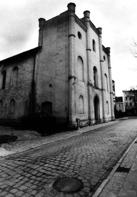 Ziębice (Münsterberg). Synagoga z 1845 roku, czynna do 1968 roku. Fot. P. Piluk (1998)